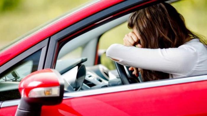 Ini 5 Hal yang Tidak Boleh Dilakukan Oleh Pengemudi Mobil